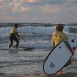 Surfkurse-in-Hossegor-mit-Ki-Surf-School-19-748x488